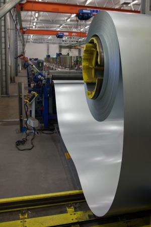 acier: Machine de formage des tôles d'acier ondulé
