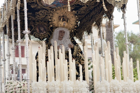 admired: the virgin of the star through the streets, to be admired for his faithful