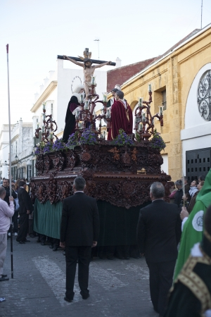 viacrucis: the bearers of the Christ of the star, carried through the streets