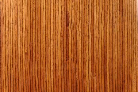 mottle: Primo piano di strisce colorate in pezzo di legno