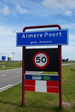 almere: Welcome sign: entering the Almere Poort