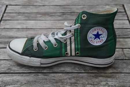 converse: Green Retro Converse All Star - Canvas Sneaker