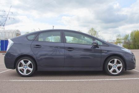Gray Toyota Prius Hybrid - sideview