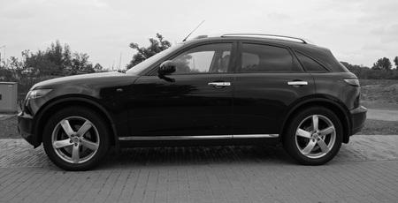 infiniti: Black FX car