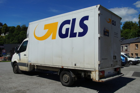 royal mail: Delivery by GLS