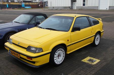 civic: Yellow Honda Civic CRX 1.6 Editorial