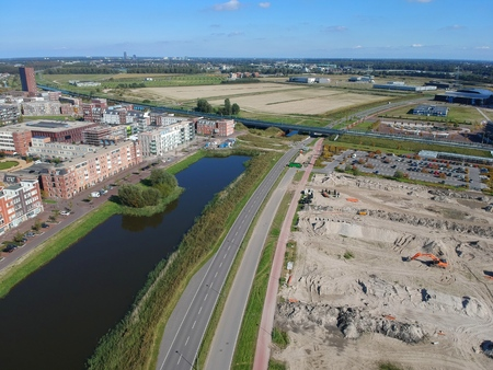 Aerial (drone) view of the Demetrius Vikelaslaan in the city of Almere Gate Banco de Imagens