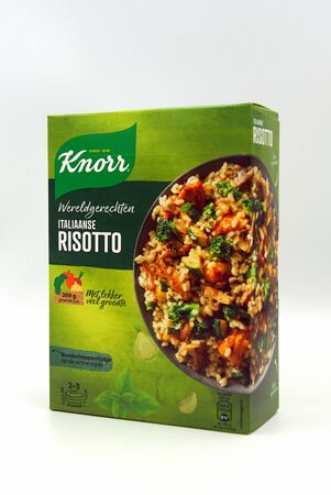 Zaandam, the Netherlands - September 28, 2019: Package of Knorr World Dishes Italian Risotto. Redactioneel