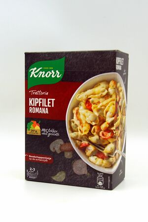 Zaandam, the Netherlands - September 28, 2019: Package of Knorr World Dishes Trattoria Chicken Breast Romana. Redactioneel