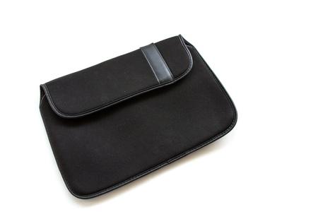 白い背景に黒のタブレット コンピューター バッグ