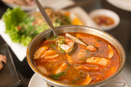 goong: spicy prawn soup or tom yum goong