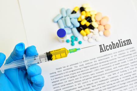 alcoholismo: Los f�rmacos para el tratamiento del alcoholismo Foto de archivo