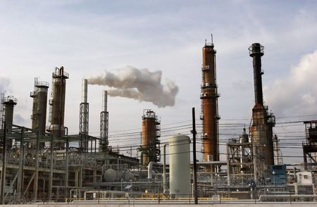 catalytic: Section of an oil refinery Stock Photo