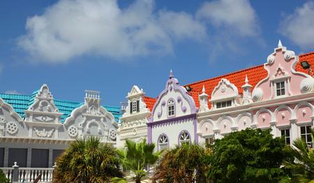 Colorful buildings and rooftops of Oranjstad in Aruba 版權商用圖片