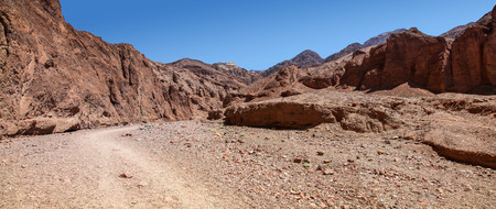 Panoramic view of Natural Bridge Canyon hiking trailhead in Death Valley National Park 版權商用圖片