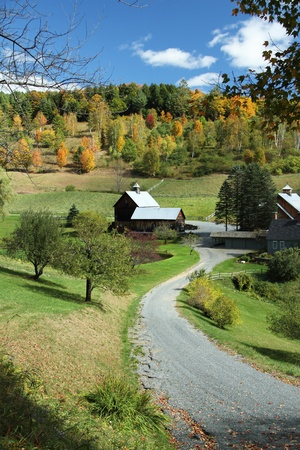 farmhouses: A winding country road leading to Sleepy Hollow Farm in Vermont.