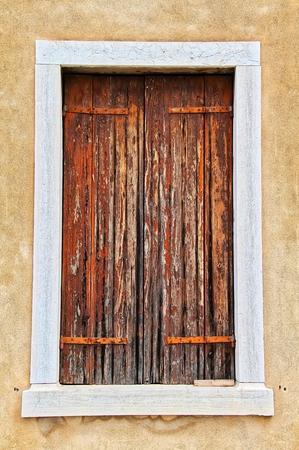 ヴェネツィアの都市からのウィンドウ。