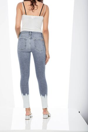 Double Black jeans - Fade Resistant This mid-rise jeans, super skinny hugs every contour of the body, from hip to hem jean, Jeans Sophie Skinny florida super light blue...