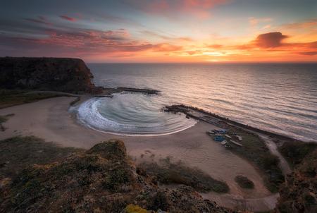 Amazing sunrise at the Black Sea coast, Bolata bay in Bulgaria Archivio Fotografico - 118435543