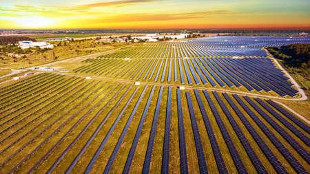 Solar photovoltaic photographed before sunrise 免版税图像