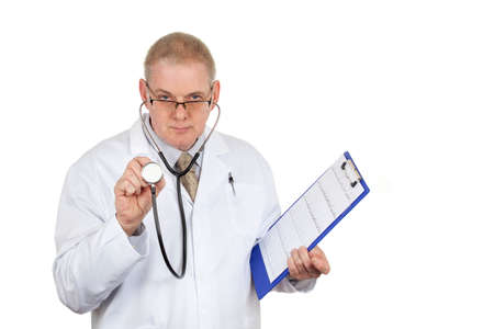 bata blanca: Doctor in white coat wearing glasses holding stethoscope and clipboard with a pen in his pocket on a pure white background Foto de archivo