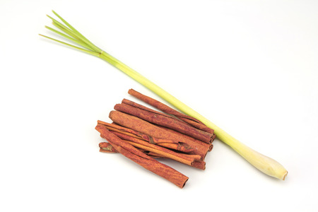 cannelle: Cinnamon and Lemongrass isolated on white background