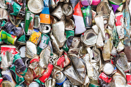 Compressed aluminum can for recycle