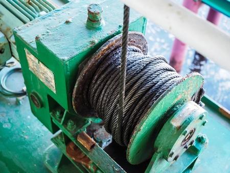 緑の床の緑機械ウインチ