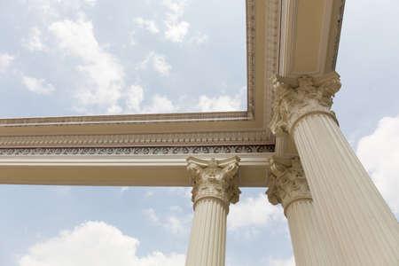 Cabeza de la columna romana. Foto de archivo - 83222864