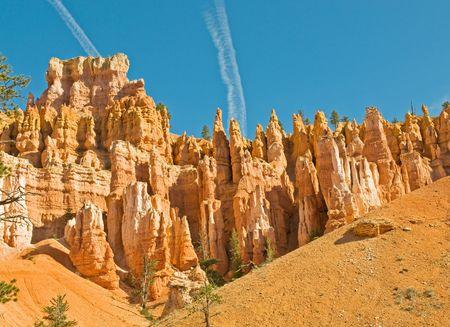 Red pinnacles (hoodoos) of Bryce Canyon, Utah, USA Stock Photo - 3327610
