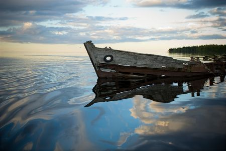 old wreck in the lake photo