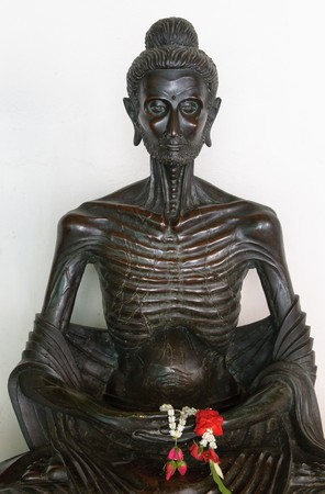 golden buddha in wat benchamabophit, bangkok  Banco de Imagens