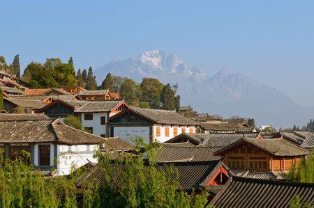 yunnan: roofs of lijiang old town, yunnan, china Stock Photo