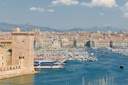 marseille: Panoramisch uitzicht van Marseille en de oude haven  Stockfoto