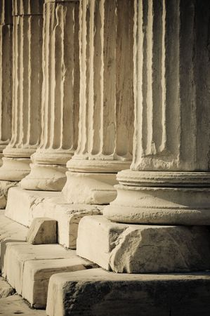 greek mythology: greek columns