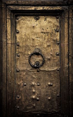 tocar la puerta: Puerta de la antigua, Roma, Italia  Foto de archivo