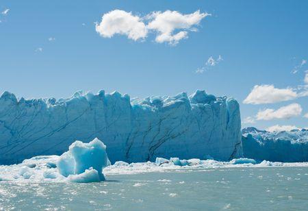 Perito Moreno Glacier, Patagonia, Argentina Stock Photo - 6822101