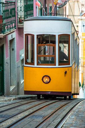 elevador: Elevador da Bica, Lisbon, Portugal Editorial