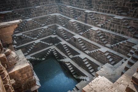 chand: Chand Baori, una de las cajas de escalera m�s profundos en la India