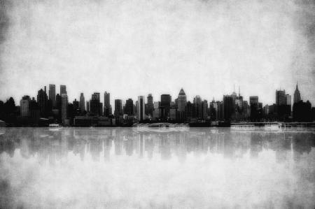 Manhattan Skyline: grunge image of new york skyline