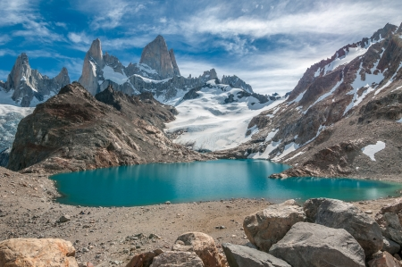 tres: Fitz Roy mountain and Laguna de los Tres, Patagonia, Argentina