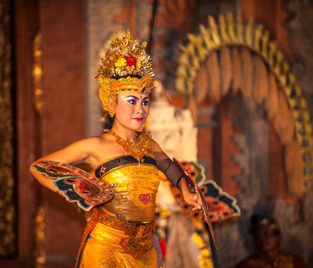 ubud: UBUD, BALI, INDONESIA - August, 07: Legong traditional Balinese dance in Ubud, Bali, Indonesia on August, 07, 2010