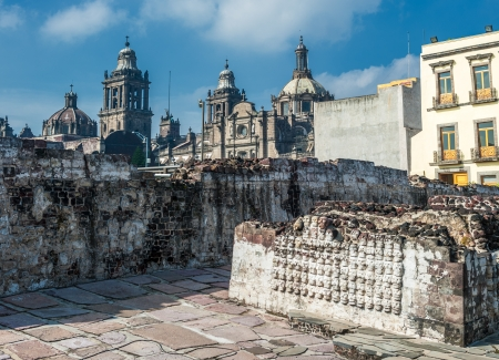 Templo mayor, the historic center of Mexico city Imagens