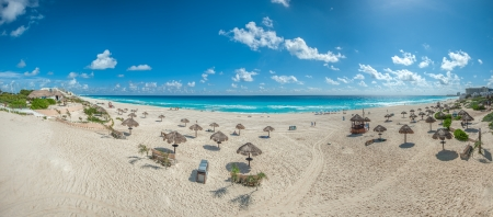 Dolphin Beach panorama, Cancun, Mexico Stock Photo