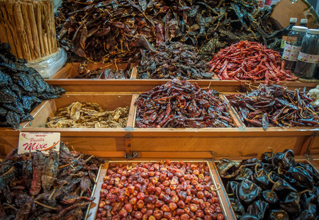 cayenne pepper: Choice of dried chili in Oaxaca market, Mexico