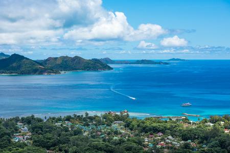 Panorama de l'île de La Digue du Nid dâ ? ? Aigle point de vue, Seychelles Banque d'images - 38981666