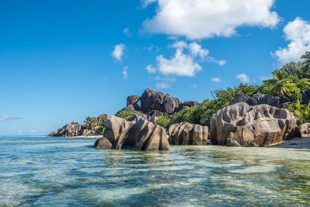 Tropical island beach, Source d'argent, La Digue, Seychelles Stock Photo
