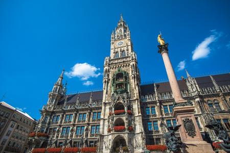 Münchner Rathaus am Marienplatz, Bayern, Deutschland