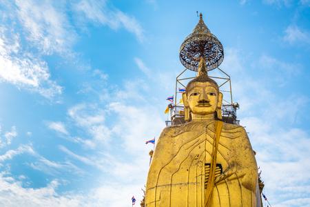 big buddha: Big Standing Buddha at Wat Intharawihan temple, Bangkok