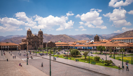 plaza de armas: Plaza de Armas in historic center of Cusco, Peru